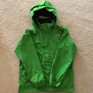 The North Face Boys Resolve Rain Jacket - Green M